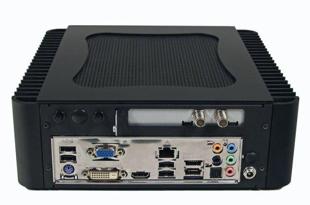 Anschlussfeld auf der Rückseite des MR Computertechnik Ichbinleise HFX Micro Media