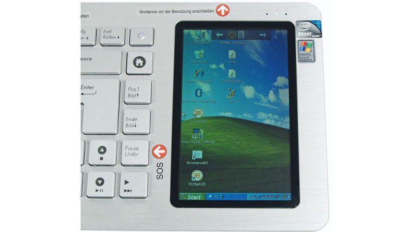 kompletter Windows-Desktop auf dem Display des Asus EeeKeyboard PC EK1542