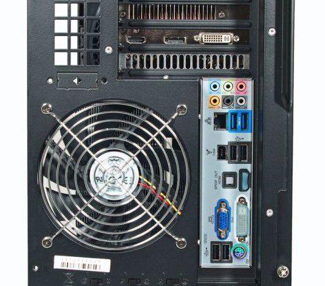 Ultraforce X6 1090T - ATI HD5870 SATA3: Anschlüsse oben