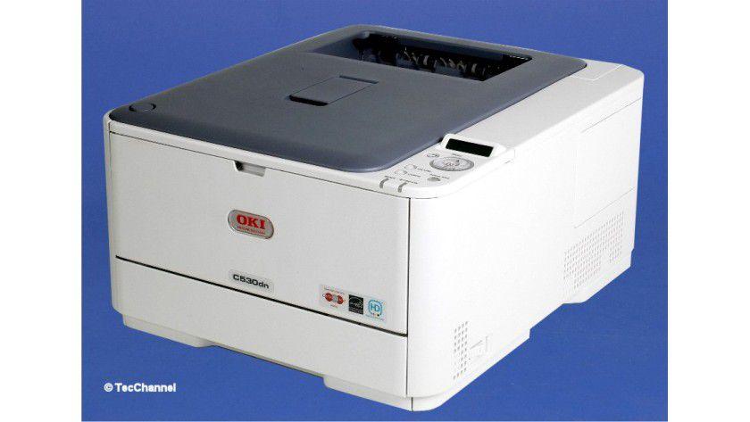 OKI C530dn: Der LED-Farbdrucker ist serienmäßig mit einer integrierten Duplex-Einheit ausgestattet.