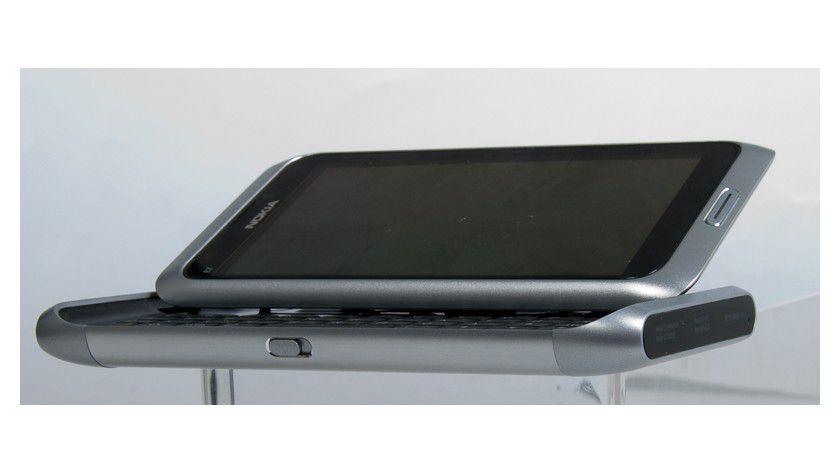 Tastatur im N8-Design: Das Nokia E7