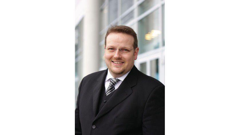 """Michael Melzig, Senior Product Marketing Manager Business Clients, Fujitsu Technology Solutions: """"Ultrabooks im 13- und 14-Zoll-Format haben sich gegenüber herkömmlichen Formfaktoren als Trendsetter behauptet. Diese Entwicklung ist jedoch noch lange nicht abgeschlossen."""""""