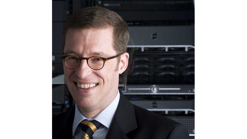 """Peter Dümig, Dell: """" Cloud Computing gewinnt 2012 an Bedeutung, da es Kostensenkung, Effizienzsteigerung und Erhöhung der Flexibilität verspricht."""""""
