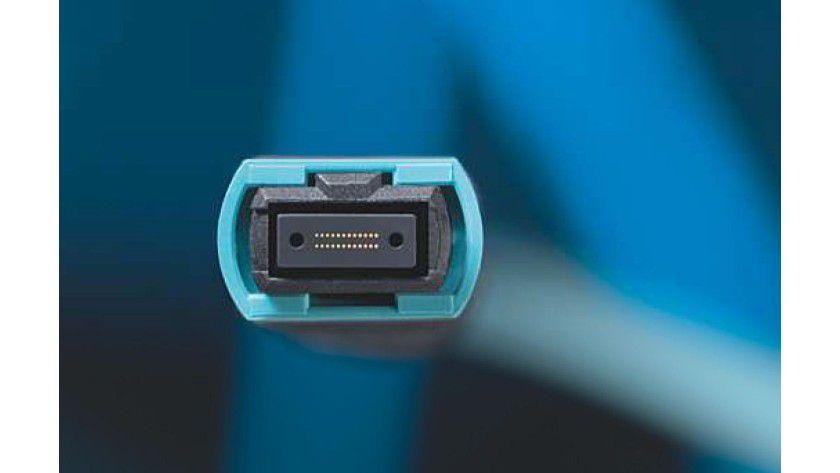 Weitere Optionen: Einige Hersteller forcieren die Einführung Multi-Fibre-Push-on-Steckverbindungen (MPO) mit parallelen optischen Verbindungen als Alternative zu QSFP+.