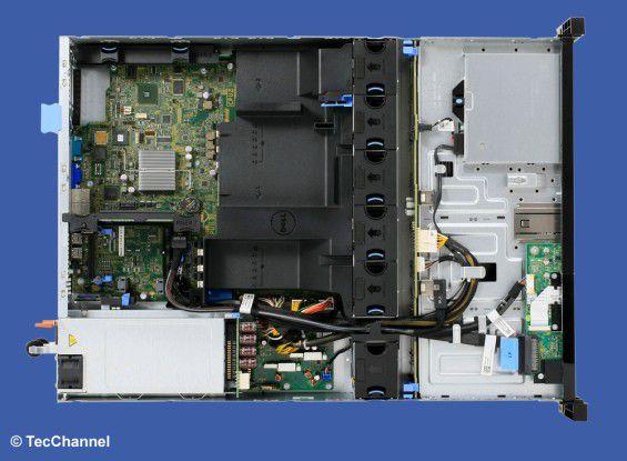 Hexa-Antrieb: In dem Rack-Server (2 HE) PowerEdge R520 arbeiten zwei Sechs-Core-Xeon-Prozessoren mit 2,2 GHz Taktfrequenz und Turbo-2.0-Technologie.