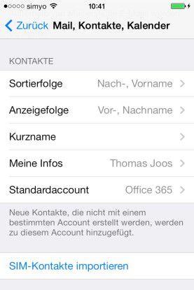 Definition: Hier bestimmen Sie Sortierreihenfolge und Standard-Account. Auch mit iOS 7 ändert sich an den Einstellmöglichkeiten im Vergleich zu iOS 6 nicht viel.