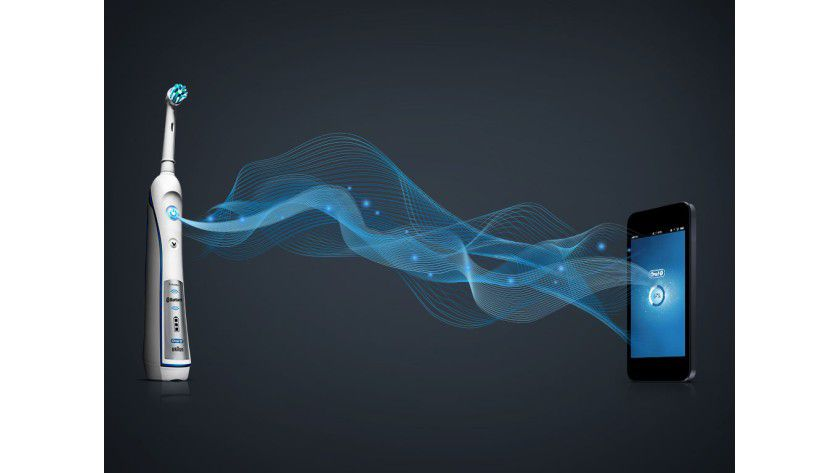 Oral-B: Via Bluetooth übermittelt die Zahnbürste die Putzdaten an das Smartphone.