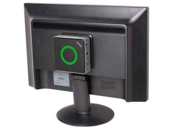 Aufgeräumt und Platzsparend: Zotac Zbox Nano AD10 Plus in der VESA-Montage