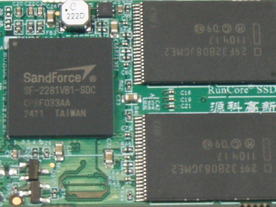 Flotte Kombination: Sandforce-Controller und Intel-Flashchips