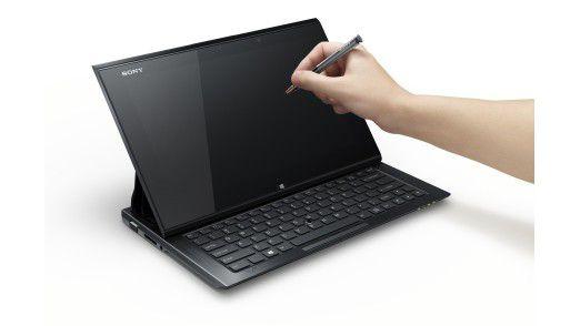 Mit einem Touch-Stift kann man auf dem Bildschirm nicht nur Schreiben und Zeichnen. Auch die Desktop-Oberfläche von Windows 8 lässt sich damit leichter bedienen.