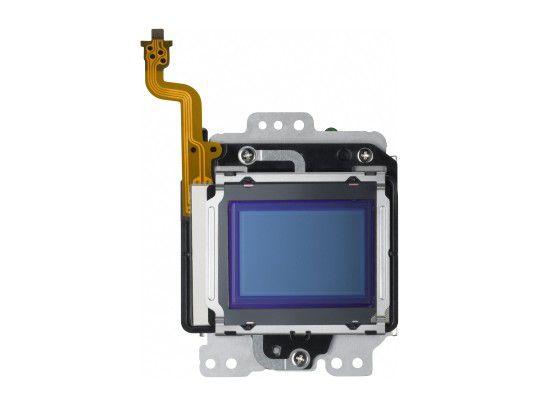 Der APS-C-Sensor der Canon EOS M arbeitet mit 17,9 Megapixeln.