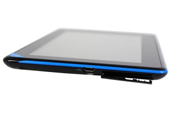 Beim Acer-Tablet ist der Speicherkartenleser durch eine Plastikabdeckung geschützt
