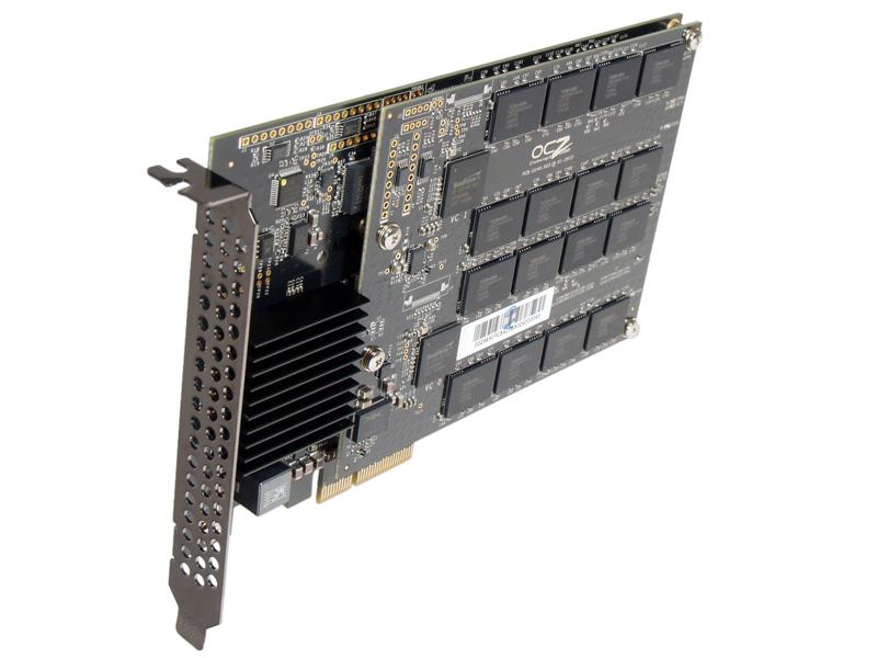 Dank PCI Express: Die SSD OCZ Revodrive 3 X2 erreicht eine Datentransferrate von fast 1400 MB/s und einen Befehlsdurchsatz von bis zu 230 000 IOPS.