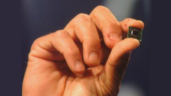 Der Intel Quark ist ein extrem kleiner Prozessor, der später für medizinische Zwecke sogar Platz in Pillen finden soll.