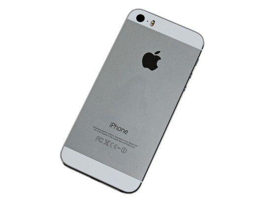 Apple iPhone 5s im Alu-Gehäuse: Die Verarbeitung des Geräts ist einwandfrei.