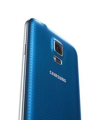Leak: Anders als das Galaxy S5 (Bild) soll der Nachfolger Galaxy S6 ein Gehäuse aus Glas und Metall erhalten.
