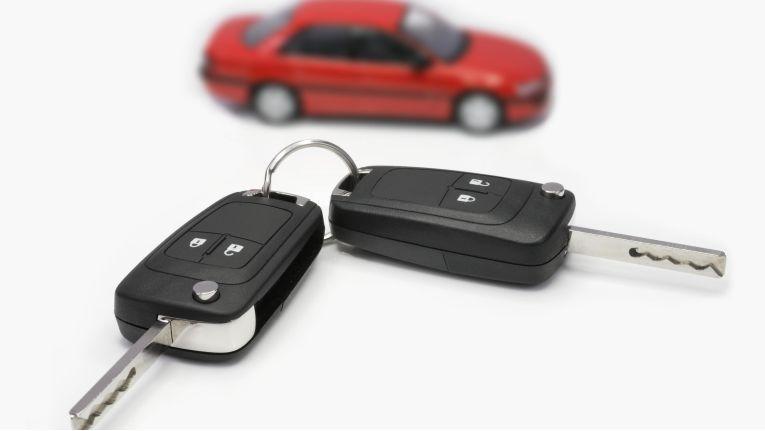 Wer von einem Fahrzeugkaufvertrag zurücktritt, kann grundsätzlich die Rückzahlung des Kaufpreises verlangen.