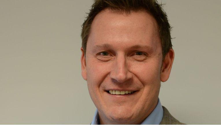 Hartmut Husemann ist Vertriebs-Direktor für den Bereich Global/Corporate Sales.