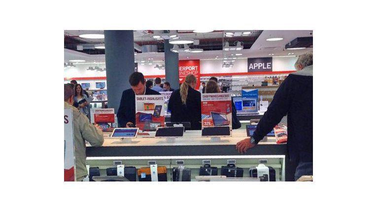 Im München Einkaufszentrum Mona eröffnete Cyberport 2014 einen 900 qm großen Multichannel-Store