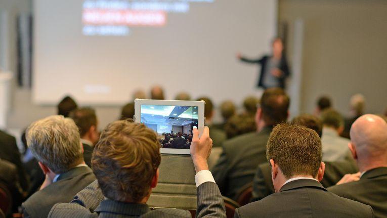 Sie möchten sich über die kommenden eCommerce-Trends informieren? Dann sollten Sie am Best in eCommerce-Day am 20. November in München teilnehmen.