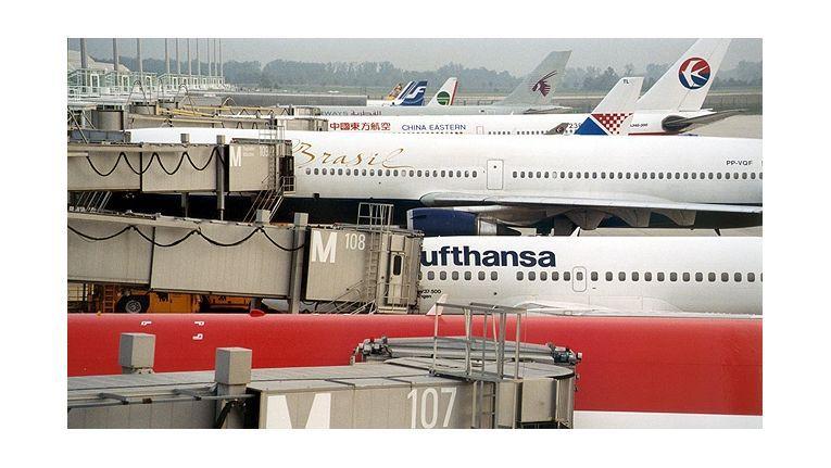 Nach Schätzungen lassen sich Fluggäste in Deutschland jährlich 180 Millionen Euro Entschädigungsleistungen durch die Lappen gehen.