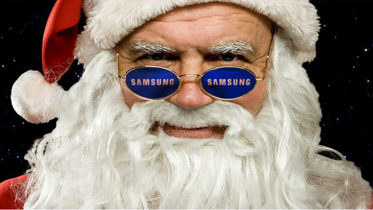 Der Weihnachtsmann hat im Siewert & Kau-Adventskalender hinter jedem Türchen eine Gewinnspielfrage versteckt.