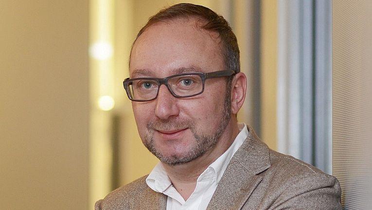 Für Hans-Jürgen Witfeld, Leiter Vertrieb bei Herweck, gehören bewegte Bilder am Point of Sale zur Grundausstattung eines jeden Ladens.