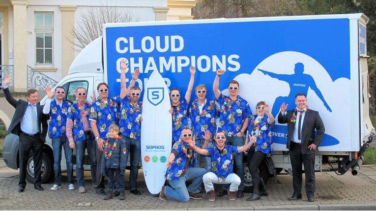 Hawaii-Feeling Mitte Januar: Hier stoppte der Sophos-Truck auf seiner Europa-Tournee bei der Midland IT in Minden. Auch sie hatten die perfekte Cloud-Welle erwischt.