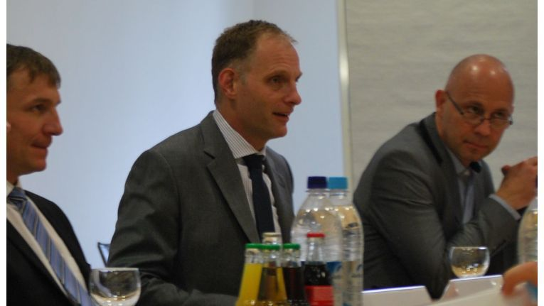"""Dieter Schmitt, Senior Director Channel Sales Central Europe, NetApp Deutschland: """"Anwender werden sich bei Standard-Cloud-Services tendenziell für immer küzrere Zeit an einen Provider binden. Das wird die Komplexität erhöhen."""""""