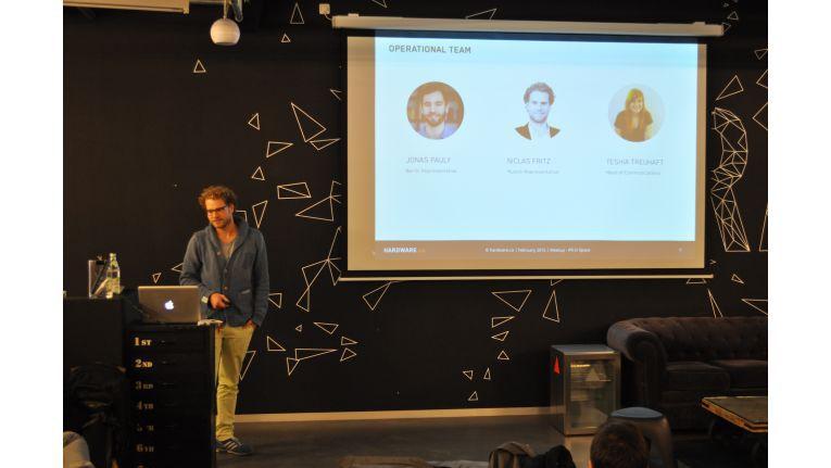 Hardware.co-Repräsentant Niclas Fritz beim Meetup in München