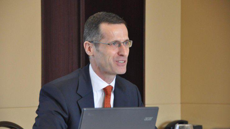 """Dr. Thomas Olemotz, Vorstandschef bei der Bechtle AG: """"Das unerwartet starke dritte Quartal stimmt uns sehr zuversichtlich für das Gesamtjahr. Sowohl im Umsatz wie im Ergebnis gehen wir von hohem einstelligem bis niedrigem zweistelligem Wachstum aus."""""""