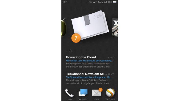 Karussell: Amazon lehnt die Bedienung des Smartphones an seine Fire Tablets an. So zeigt das auf Android basierende Betriebssystem Fire OS 3.6.2 mit seinem sogenannten Menü-Karussell immer nur ein großes App-Symbol im oberen Bildschirmdrittel an.