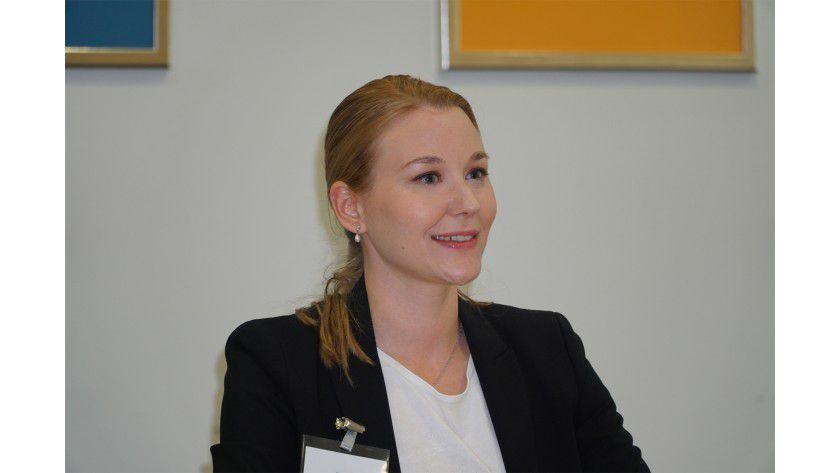 """Katharina Bauer, TÜViT (TÜV NORD GROUP): """"Schon aus Compliance Gründen kommt kein Unternehmen darum herum, sich mit App-AGBs auseinanderzusetzen."""""""