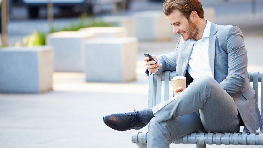 Immer mehr Bewerber via Smartphone nach einem neuen Job.