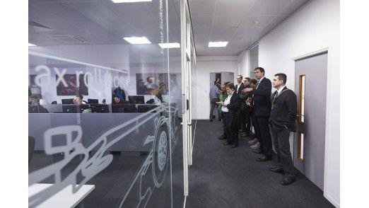 Aus dem Strategic Room wird das Team an der Strecke unterstützt.