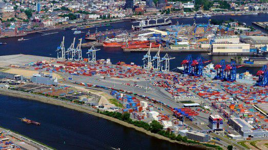 Drei Containerterminals des Hamburger Hafens nutzen das neue Portal.