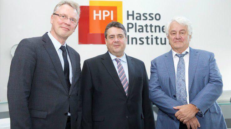 HPI-Direktor Prof. Christoph Meinel, Wirtschaftsminister Sigmar Gabriel und HPI-Stifter Hasso Plattner (v.l.n.r.)