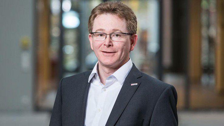 Thomas Beck, Geschäftsführer von Vector Informatik lädt die Mitarbeiter freitags nachmittag zum Austausch beim Feierabendbier ein.