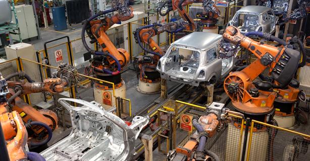 Software entsteht im Team: Entwickler für die Industrie 4.0 - Foto: BMW