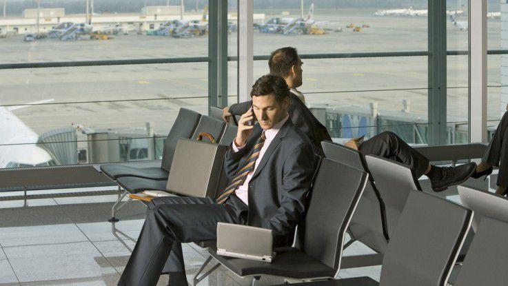 Reisebereitschaft wird bei IT-Beratern vorausgesetzt. Sie müssen Probleme erfassen können. Analytisches Denken ist deshalb unerlässlich. Hinzu kommen die Bereitschaft, sich ständig weiterzubilden, und Kundenorientierung. IT-Berater sollten außerdem neugierig und entscheidungsfreudig sein.