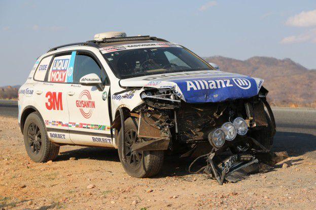 """""""Leichter"""" Frontschaden: ein Unfall verhinderte den angestrebten Rekord."""
