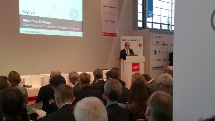 Dobrindt stellt auf der CeBIT Milliarden für den Breitbandausbau in Aussicht.