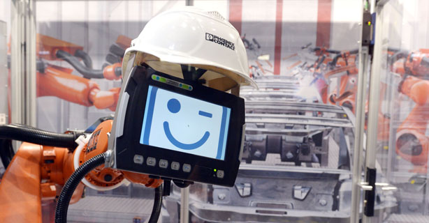 Digitale Vernetzung: Maschinen- und Anlagenbauer brauchen mehr IT-Spezialisten - Foto: Hannover Messe