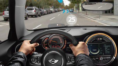 Car IT | Wearables | Auto Shanghai 2015: Mini zeigt Augmented-Reality-Brille - Foto: BMW AG