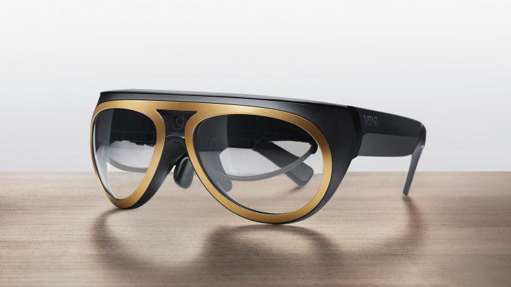 """Der Prototyp des """"Mini Augmented Vision""""-Wearable ist auf der Shanghai Auto 2015 zu sehen."""