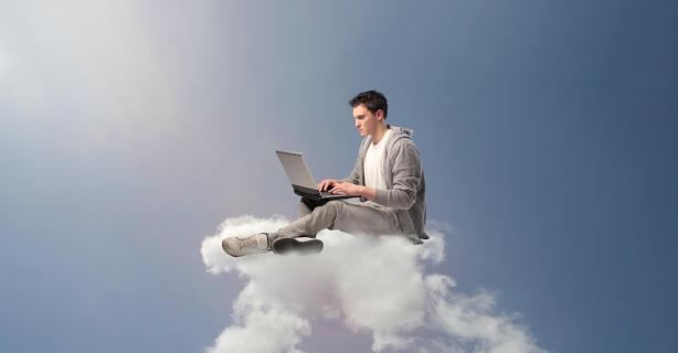 "Qualitätssiegel ""Made in Europe"" gewinnt: Europäische versus amerikanische Cloud-Anbieter - Foto: Ollyy-shutterstock.com"