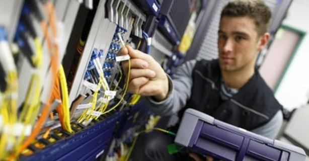 Best-Practice-Tipps zum ISDN-Ende : So gelingt der Umstieg von ISDN zur IP-Telefonie - Foto: envia TEL