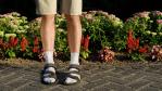 Hitzewelle und Arbeitsrecht: Luftige Kleidung – was der Chef verbieten kann - Foto: Shevs-shutterstock.com