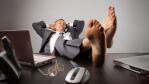 """""""Tipps"""" für die Karriere: Mit Faulheit zum Erfolg im Job? - Foto: Ollyy / shutterstock.com"""
