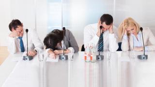 Schwitzen im Sitzen: So kommen Sie durch heiße Bürotage - Foto: Andrey_Popov_shutterstock